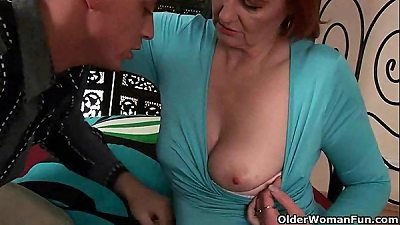 mature mommy craves a knuckle up her aged vag