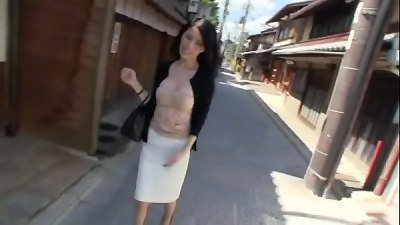 beautiful horny japanese lady fuck and lick in car2